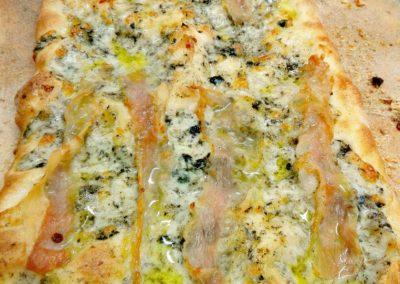 Pizza guanciale e tartufo